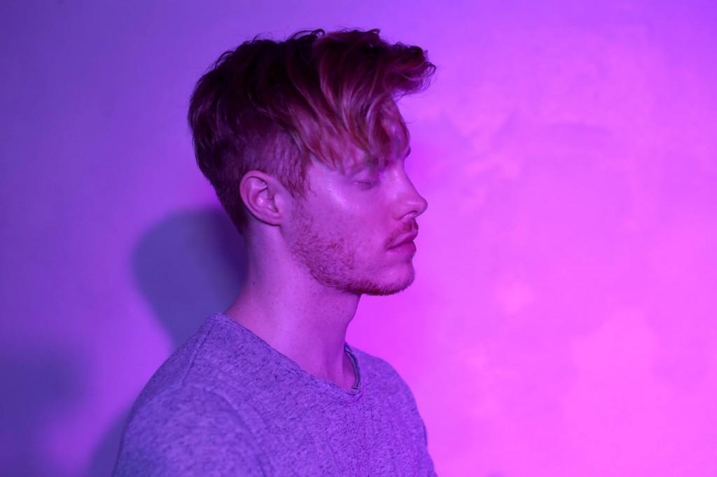 Reigen with Pink background
